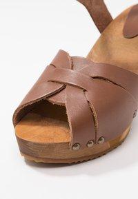 Sanita - FARINA PLATEAU FLEX - Clogs - mid brown - 2