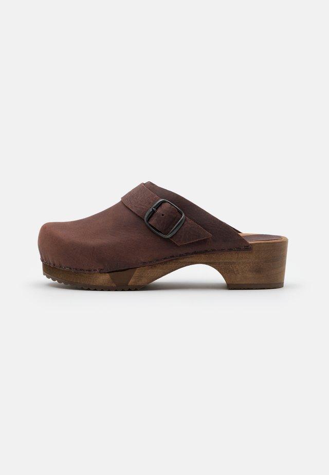 LILI OPEN - Clogs - antique brown