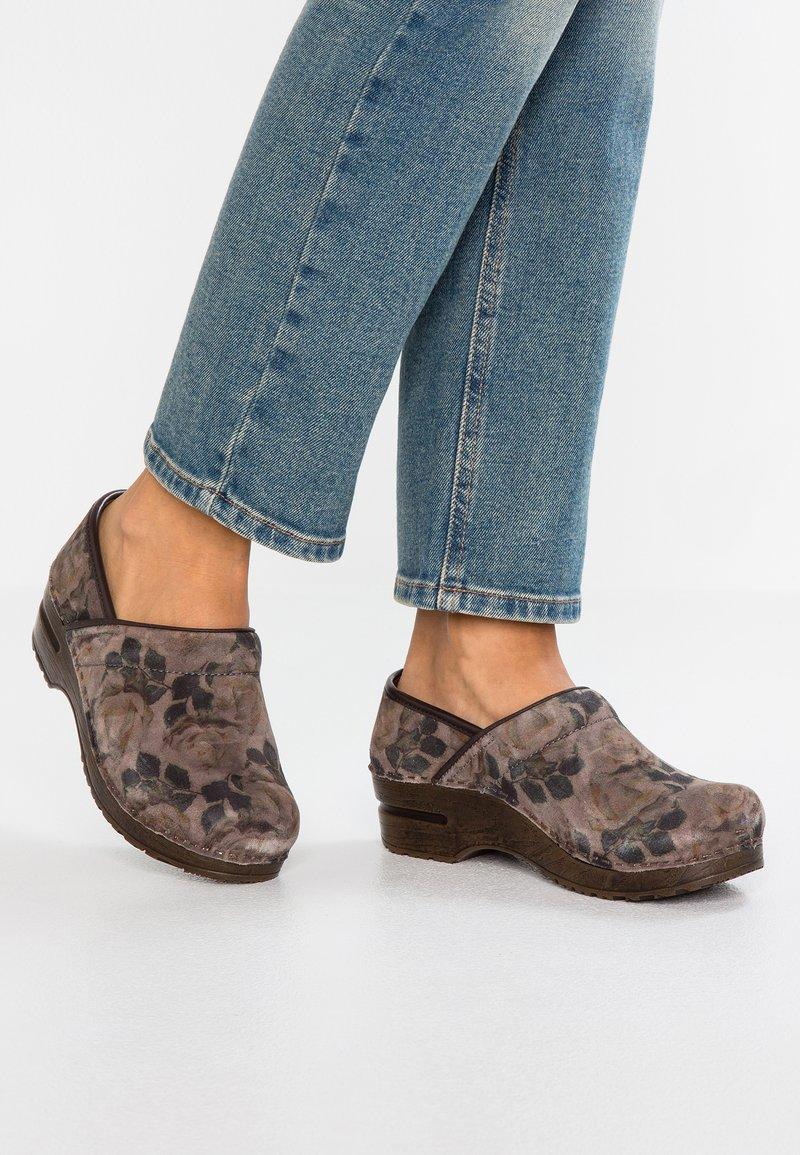 Sanita - ORIGINAL FLOW - Platform heels - stone
