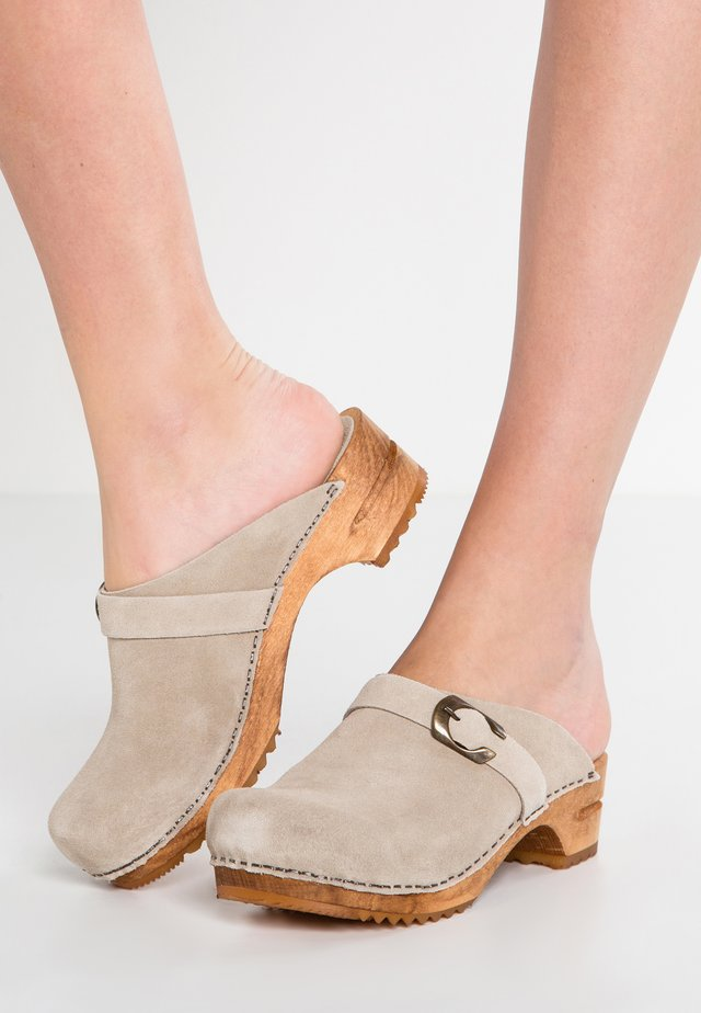 HEDI OPEN - Clogs - beige