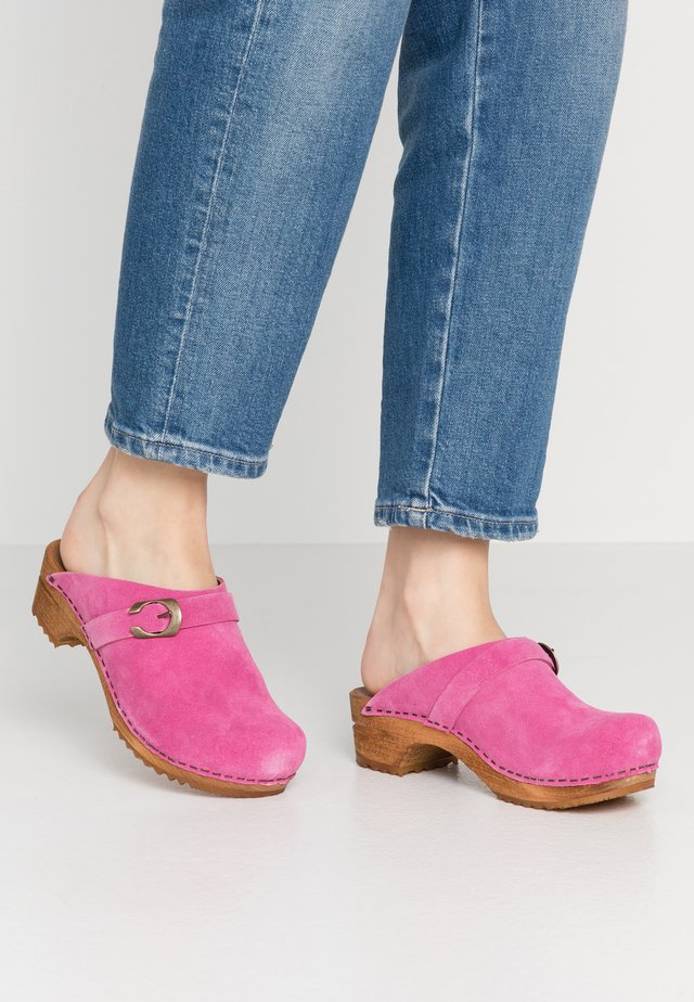 HEDI OPEN - Clogs - pink