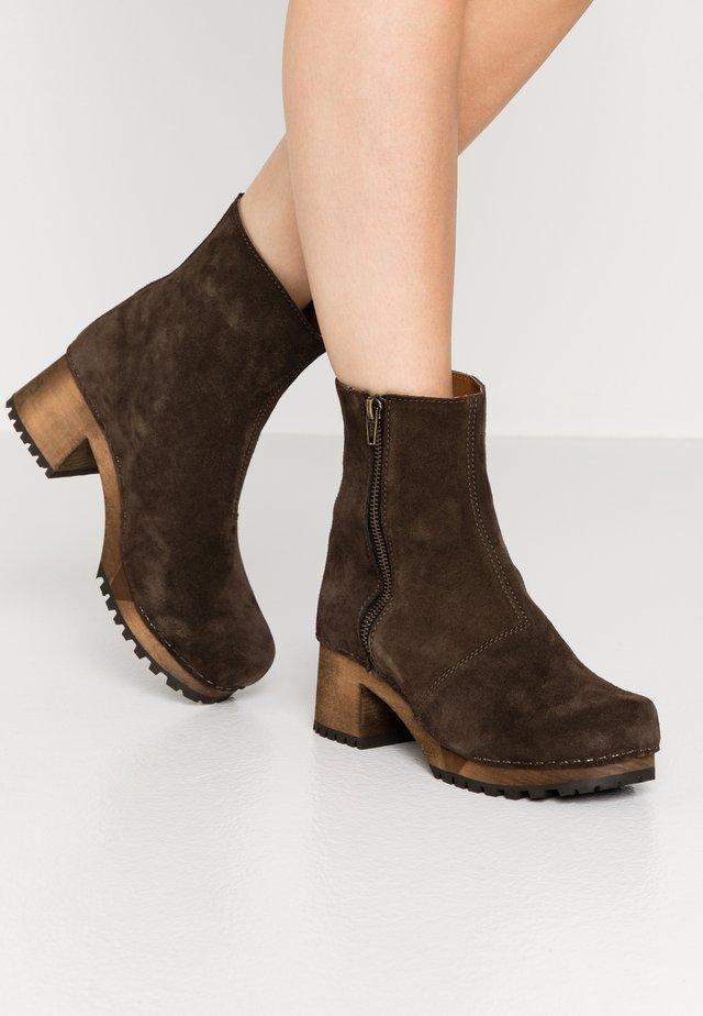 HENNA BLOCK FLEX BOOT - Platform ankle boots - coffee
