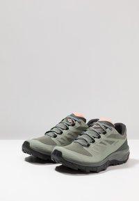 Salomon - OUTLINE GTX - Hiking shoes - shadow/urban chic/coral almond - 2