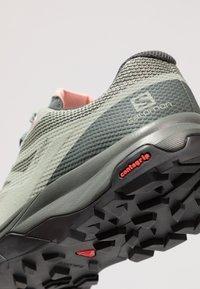 Salomon - OUTLINE GTX - Hiking shoes - shadow/urban chic/coral almond - 5