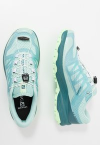 Salomon - XA DISCOVERY - Trail running shoes - icy morn/hydro./patina green - 1