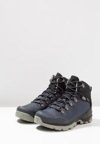 Salomon - OUTBACK 500 GTX - Hiking shoes - ebony/black/shadow - 2