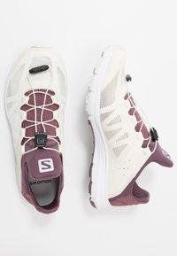 Salomon - AMPHIB BOLD - Neutral running shoes - vanilla ice/winetasting/white - 1