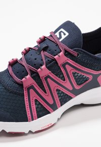 Salomon - CROSSAMPHIBIAN SWIFT 2 - Hiking shoes - navy blazer/malaga/ebony - 5