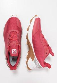 Salomon - ALPHACROSS GTX - Neutral running shoes - garnet rose/white - 1