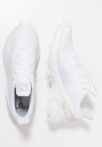 Salomon - ALPHACROSS - Trail running shoes - white - 1