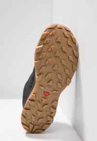 Salomon - OUTBOUND GTX - Hiking shoes - black - 4
