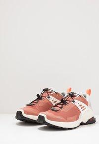 Salomon - X RAISE - Hiking shoes - cedar wood/lunar rock/cantaloupe - 2