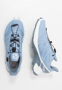 Salomon - SUPERCROSS GTX - Zapatillas de trail running - forever blue/white/flint stone - 1