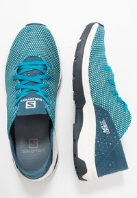 Salomon - TECH LITE - Walking trainers - icy morn/poseidon/navy blazer - 1