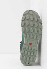 Salomon - VAYA MID GTX - Fjellsko - green gables/spruce stone/shadow - 4