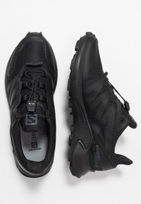 Salomon - SUPERCROSS - Obuwie do biegania Szlak - black - 1