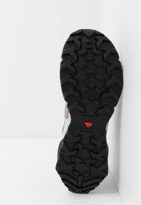 Salomon - X RAISE GTX - Zapatillas de senderismo - quail/india ink/flint - 4