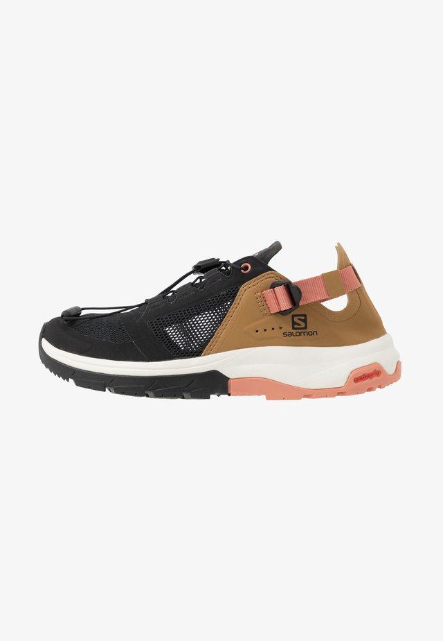 TECH AMPHIB 4 - Watersports shoes - black/bistre/tawny orange