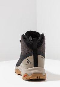 Salomon - OUTSNAP CSWP - Fjellsko - black/vintage kaki - 3