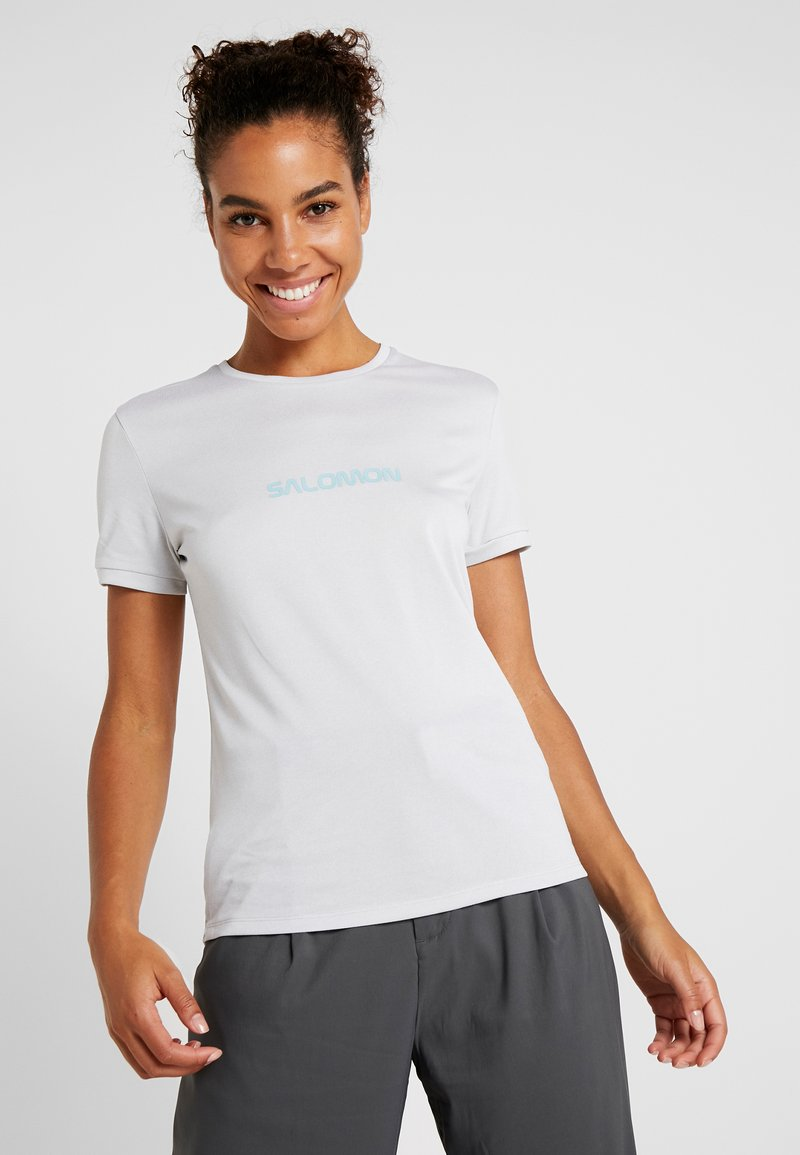 Salomon - COMET CLASSIC TEE - T-shirt z nadrukiem - lunar rock