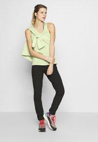Salomon - AGILE TANK - Sports shirt - seacrest/white/heather - 1