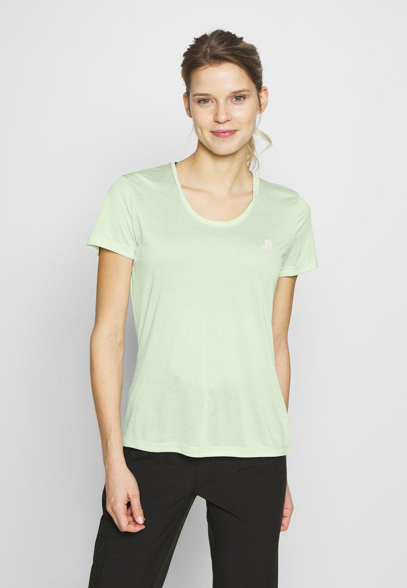 Salomon - AGILE TEE - Print T-shirt - seacrest/white/heather