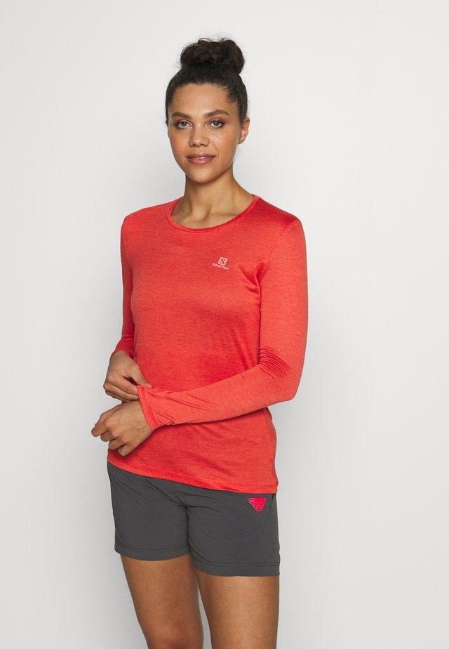 AGILE TEE - Sports shirt - cayenne/heather