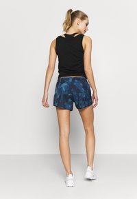 Salomon - AGILE SHORT - Urheilushortsit - dark denim - 2