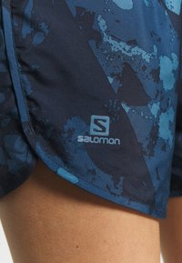 Salomon - AGILE SHORT - Urheilushortsit - dark denim - 6