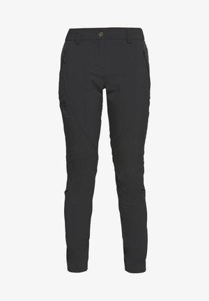 WAYFARER TAPERED PANT - Pantalones montañeros largos - black