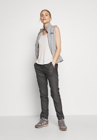 Salomon - WAYFARER TAPERED - Outdoor trousers - black heather - 1