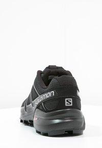 Salomon - SPEEDCROSS 4  - Løpesko for mark - black/black/black metallic - 3