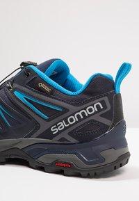 Salomon - X ULTRA 3 GTX - Hikingschuh - graphite/night sky/hawaiian surf - 5