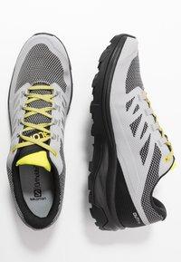 Salomon - OUTLINE GTX - Hiking shoes - alloy/black/evening primrose - 1