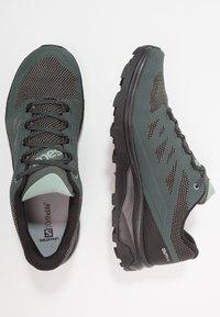 Salomon - OUTLINE GTX - Hiking shoes - urban chic/black/green milieu - 1