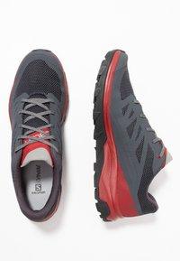 Salomon - OUTLINE - Chaussures de marche - ebony/red dahlia/frost gray - 1