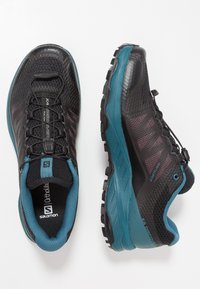 Salomon - XA DISCOVERY - Laufschuh Trail - black/mallard blue/ebony - 1