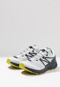 Salomon - SENSE RIDE 2 - Trail running shoes - illusion blue/navy blazer/citronelle - 2