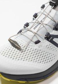 Salomon - SENSE RIDE 2 - Trail running shoes - illusion blue/navy blazer/citronelle - 5