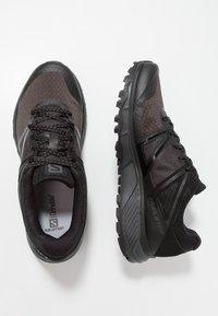 Salomon - TRAILSTER - Zapatillas de trail running - phantom/black/magnet - 1