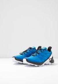 Salomon - SUPERCROSS MEN - Běžecké boty do terénu - indigo bouting/ black/ white - 2