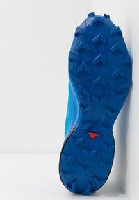 Salomon - SPEEDCROSS 5 GTX - Obuwie do biegania Szlak - blue aster/lapis blue/navy blazer - 4