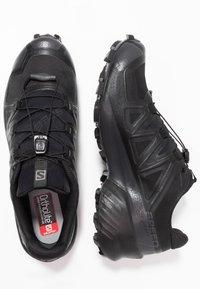 Salomon - SPEEDCROSS 5 GTX - Scarpe da trail running - black/phantom - 1