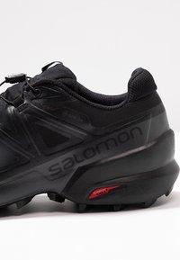 Salomon - SPEEDCROSS 5 GTX - Scarpe da trail running - black/phantom - 5
