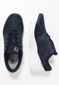 Salomon - OUTBOUND - Hiking shoes - navy blazer/white - 1