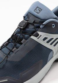 Salomon - X RAISE GTX - Hiking shoes - india ink/flint stone/quarry - 5