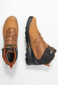 Salomon - OUTWARD GTX - Buty trekkingowe - tobacco brown/phantom/caramel cafe - 1