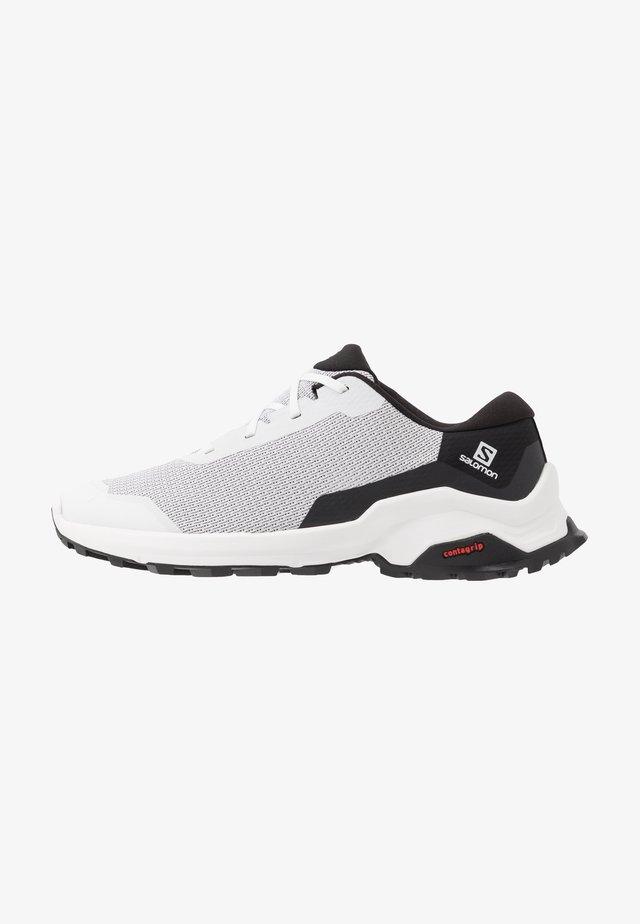 X REVEAL - Hikingskor - white/black