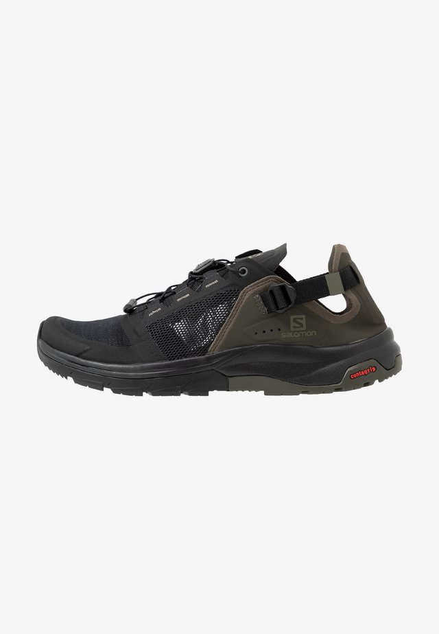 TECH AMPHIB 4 - Hikingsko - black/beluga/castor gray