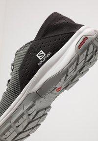 Salomon - TECH LITE - Kävelykengät - quiet shade/black/alloy - 5